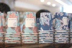 "Le Petite Cafe, Hong Kong - floral graphics on takeaway cups"" data-componentType=""MODAL_PIN Coffee Cup Art, Coffee Cup Design, Coffee Takeaway Cup, Paper Coffee Cups, Paper Cups, Coffee Beans, My Coffee Shop, Coffee Cafe, Coffee Packaging"