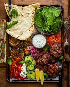 Lamb cofta burgers on pita Grilled Lamb, Grilled Veggies, Lamb Recipes, Cooking Recipes, Healthy Recipes, Sunday Recipes, Good Food, Yummy Food, Food Platters
