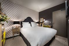Hotel La Parizienne - Chambre Curieuse Noire - #paris #hotel by Elegancia Hotels