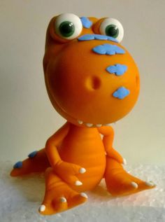 Polymer Clay Ornaments, Polymer Clay Figures, Polymer Clay Animals, Dinosaur Cake, Dinosaur Party, Dinosaur Birthday, Clay Projects, Clay Crafts, Clay Monsters