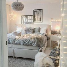 Decorating With Faux Fur Pillows - College Dorm Decor