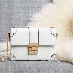Over-the-shoulder chic 👌💜 Bag (Available in: 🇬🇧🇳🇱🇩🇪🇧🇪🇦🇹) Cambridge Satchel, Primark, Chloe, Bag Design, Bags, Accessories, Shoulder, Handbags, Shopping Bag Design