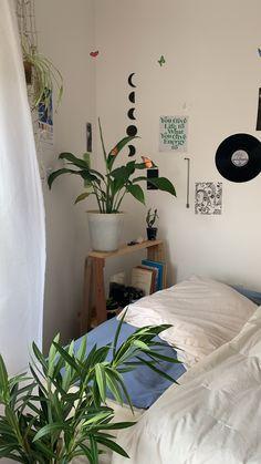 Indie Room Decor, Cute Room Decor, Aesthetic Room Decor, Room Design Bedroom, Room Ideas Bedroom, Pretty Room, Cozy Room, Dream Rooms, My New Room