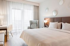L'hôtel AC by Marriott prend place non loin de l'aéroport du Bourget, point de chut idéal pour les voyageurs en escale à Paris.