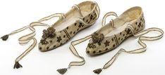 1804. Коронационные туфли Жозефины.