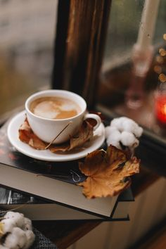 Autumn coffee cozy atmosphere The post Autumn coffee cozy atmosphere autumn scenery appeared first on Trendy. Autumn Coffee, Autumn Cozy, Coffee Cozy, I Love Coffee, Coffee Art, Coffee Break, Morning Coffee, Coffee Time, Autumn Fall