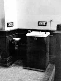 Segregated water fountains