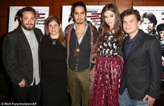 Crew: From left to right: Robert Pulcini (director) Shari Springer Berman, Avan Jogia, Hai...