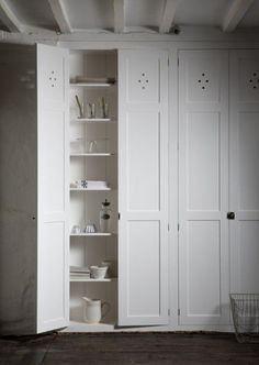 The Classic Fitted Pantry Cupboard by deVOL Kitchens. Pantry Cupboard, Linen Cupboard, Kitchen Pantry, Kitchen Storage, Tall Cabinet Storage, Pantry Doors, Pantry Cabinets, Utility Cupboard, Kitchen Ideas