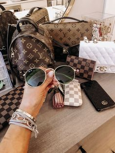 Best Handbags, Hermes Handbags, Louis Vuitton Belt, Louis Vuitton Handbags, Fake Designer Bags, Designer Belts, Designer Purses, Chanel Purse, Chanel Backpack