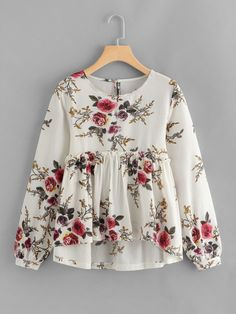 To find out about the Floral Print Dip Hem Smock Blouse at SHEIN, part of our latest Blouses ready to shop online today! Look Fashion, Hijab Fashion, Girl Fashion, Fashion Dresses, Fashion Blouses, Latest Fashion, Fashion Trends, Blouse Styles, Blouse Designs