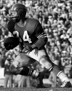 """49ers great Joe Perry dies at 84 Fullback Joe Perry of the San Francisco 49ers runs upfield during a 34 to 23 loss to the Chicago Bears on October 23, 1955 at Kezar Stadium in San Francisco, California. One of American football's fastest ever fullbacks, Joe """"The Jet"""" Perry was the first African-American to play for the 49ers and the first pro-footballer to rush 1000 yards in two consecutive seasons (1953 and 1954)."""