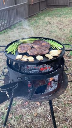 Beef Ribs Recipe, Beef Recipes, Cooking Recipes, Amazing Food Videos, Cooking Over Fire, Giant Food, Summer Grilling Recipes, Aesthetic Food, Outdoor Cooking