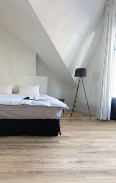 Laminaat met houtlook. Vloer in slaapkamer via Your Floor