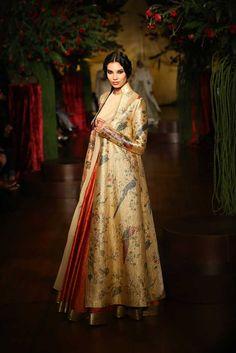 rohit_bal_aicw_2015_amazon-india_couture_fashion_week_autumn_winter_designer_runway_ (3)