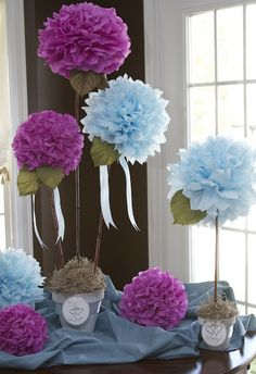 Crepe Paper Flower Centerpiece A unique and fun way to make crepe paper flowers from party streamers! Great for centerpieces, gift toppers and more. Flower Crafts, Diy Flowers, Flower Pots, Hanging Flowers, Hanging Lanterns, Large Flowers, Real Flowers, Spring Flowers, Diy And Crafts
