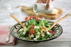 Ensalada con dátiles y nueces - Dates and walnuts salad - No quieres caldo? ... Pues toma 2 tazas.Ensalada con dátiles y nueces - No quieres caldo? ... Pues toma 2 tazas.