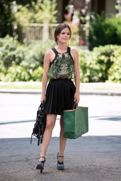 Rachel Bilson wearing Alexander Wang Kirsten Satchel, Helmut Lang Cicada Print Top, Alice & Olivia Olette Pleated Mini Skirt, Prada Colorblock Mary Jane Pumps, Hart of Dixie 3.03 Take This Job and Shove It