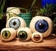 Optometry Office, Eye Logo, Halloween Eyes, Eye Doctor, Pumpkin Art, Eye Art, Christmas Deco, Store Design, Decoration