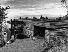 Οικονομικό, οικολογικό και υλικό που προσφέρει ζεστασιά, το ξύλο θεωρείται σήμερα ένα από τα πιο μοντέρνα αρχιτεκτονικά δομικά υλικά, αν και η χρήση του στην κατασκευή κτιρίων και σπιτιών υπάρχει από την αρχή της ιστορίας.