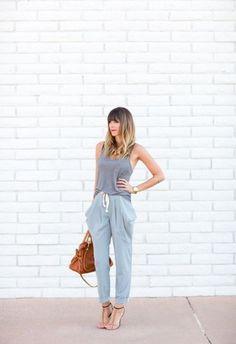 Die besten Styling-Tipps für die Jogginghose - jetzt auf gofeminin.de http://www.gofeminin.de/modetrends/styling-tipps-jogginghose-s1433097.html #jogginghose #sweatpants #bequem #mode #fashion #jogginghosekombinieren #stylingtipps