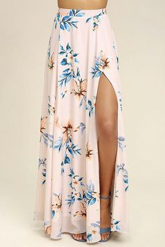 We've found our happy place in the Barefoot at the Beach Light Peach Print Two-Piece Maxi Dress! A floral print two-piece maxi dress with a lace-up crop top. Clubbing Outfits, Summer Outfits, Classy Outfits, Cute Outfits, Hawaii Outfits, Beach Outfits, Gala Dresses, Long Dresses, Dress Long