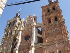 Cathedral in Astorga Tower Bridge, Notre Dame, Cathedral, Building, Travel, El Camino, Camino De Santiago, Viajes, Buildings