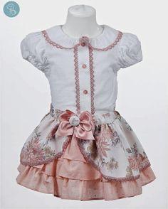 Bea Cadillac conjunto falda y camisa flores Tienda moda infantil niña