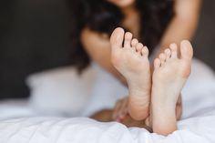 Spild ikke penge på dyr pedicure – 2 ingredienser fra køkkenet kan redde dine fødder