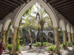 El Patio Principal o de Recibo del Palacio de Viana (Córdoba) recibía a los visitantes tras la Puerta Principal, concebido para ser visto desde fuera.