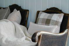 Knag sofa Sofa, Throw Pillows, Bed, Couch, Cushions, Settee, Decorative Pillows, Decor Pillows, Beds