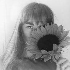 #model #sunflowers #sunflower #nude #summer #fashion