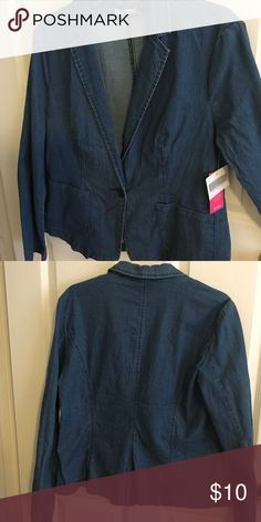 """Cute Denim blazer with alot of stretch This blazer is from the """"Just Fab"""" line. Sadly I never got a chance to wear it, but Spring Cleaning is underway in my house. 🌼 JustFab Jackets & Coats Blazers"""