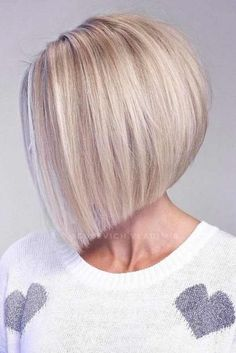 Blonde Inverted Bob ❤ Hairstyles for women over 50 do not have to be boring. Check out our gallery of super sexy and trendy hairstyles for women who want to rock their locks! Blonde Inverted Bob, Inverted Bob Hairstyles, Bob Hairstyles For Fine Hair, Hairstyles Haircuts, Pool Hairstyles, Pretty Hairstyles, Latest Hairstyles, Hair Styles For Women Over 50, Short Hair Cuts For Women