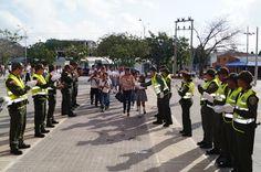 Policía acompañó el regreso a clases - Hoy es Noticia