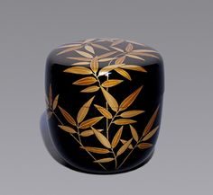 Japanese Lacquerware Natsume, Japanese Screen, Different Forms Of Art, Japanese Tea Ceremony, Japanese Porcelain, Tea Caddy, Antique Bottles, Matcha, Japan Art