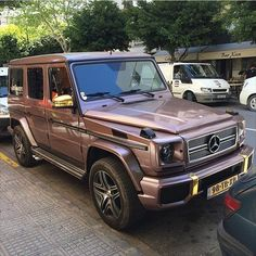 So, what do we think guys and girls? Rose gold G Wagon? : (Ibiza… Also, was denken wir, Jungs und Mädchen? Mercedes Auto, Gold Mercedes, Mercedes G Wagon, Rose Gold Car, Ford Raptor, Ibiza, Lux Cars, G Class, Fancy Cars