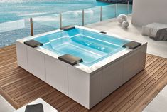 Aquatica has transitioned from being a simple soaking and hydro-massage bathtub supplier to becoming an expert wellness bath and spa supplier for demanding high-end customers around the world looking for one of the kind spa or bathing experience. So what sets Aquatica hot tubs apart from the crowd? Indoor Outdoor, Jacuzzi Outdoor, Outdoor Spa, Indoor Pools, Mini Pool, Small Backyard Pools, Small Pools, Pool Decks, Spa Design