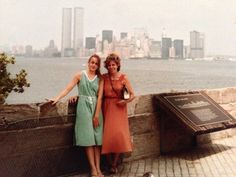 I love New York !-) 1980 whit my mother !-) #NewYork #twintowers