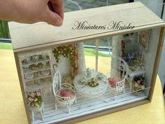 Casa de muñecas en miniatura RoomBox Sentado Nook Por el POR Minicler