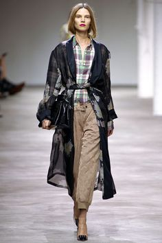 Dries Van Noten Spring 2013 RTW - Runway Photos - Fashion Week - Runway, Fashion Shows and Collections - Vogue Fashion Week, Look Fashion, Fashion Show, Womens Fashion, Fashion Design, Paris Fashion, Review Fashion, Runway Fashion, High Fashion