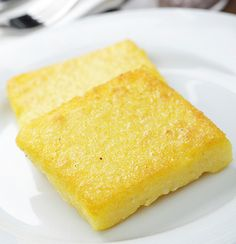 Polenta with Creamed Corn Green Beans: Chef Jan Kelly of Meritage in Milwaukee puts her own twist on polenta for this holiday recipe. Polenta Crémeuse, Oven Dishes, Fried Onions, Casserole Recipes, Cornbread, Food And Drink, Tasty, Favorite Recipes, Snacks