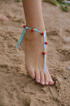 Gehäkelte Türkis barfuss Sandalen mit roten Stein Perlen Nude