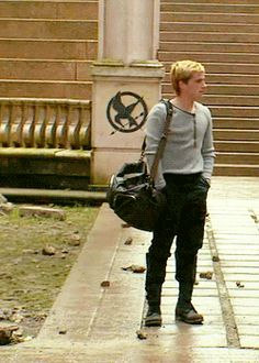 I need another drool emoji Hunger Games Memes, Hunger Games Cast, Hunger Games Fandom, Hunger Games Trilogy, Josh Hutcherson, Katniss And Peeta, Katniss Everdeen, Jennifer Lawrence, Tribute Von Panem Film
