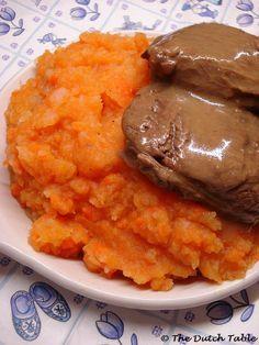 Hutspot met klapstuk (Dutch carrot mashed potatoes with braised beef)