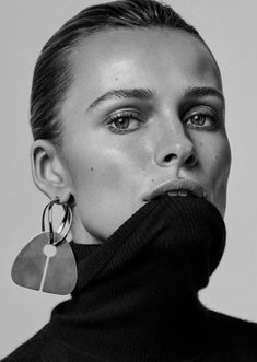 Edita Vilkeviciute by Alique x Nicola Knels for Vogue Germany - Minimal. - Edita Vilkeviciute by Alique x Nicola Knels for Vogue Germany November 2018 - Vogue Editorial, Beauty Editorial, Editorial Fashion, Jewelry Photography, Beauty Photography, Editorial Photography, Vogue Fashion Photography, Édito Vogue, Tiffany Und Co