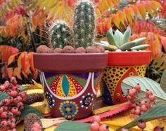 Pequeña maceta pintada cactus maceta por 3cactusdans1bateau en Etsy
