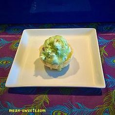 Pistachio Pudding Ice Cream & Mini Sugar Cookie Bowls