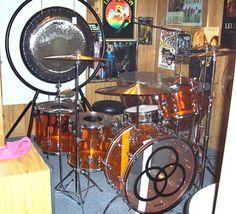Bonham Ludwig Amber Vista Lite, circa This shrine is probably worth bajillions. Drum Instrument, Music Instruments, Mapex Drums, Ludwig Drums, Robert Plant Led Zeppelin, Vintage Drums, Metal Drum, John Bonham, Famous Musicians