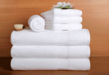 10 Ways to Make Your Home Look and Feel Like a Luxury Hotel Bath Towel Sets, Bath Towels, Hotel Towels, Egyptian Cotton Towels, Small Laundry Rooms, Tea Tray, Luxury Towels, Laundry Hacks, Soap Recipes